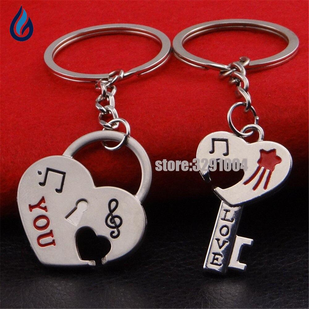 [해외]한 쌍의 하트와 열쇠 Skoda Fabia를몇 개의 열쇠 고리 차 열쇠 고리 Volvo V70 Xc90 스즈끼 Sx4 지프 랭글러 Keychain Keyring/A Pair Of Hearts And Keys Couple Key Chain Car Key Ring